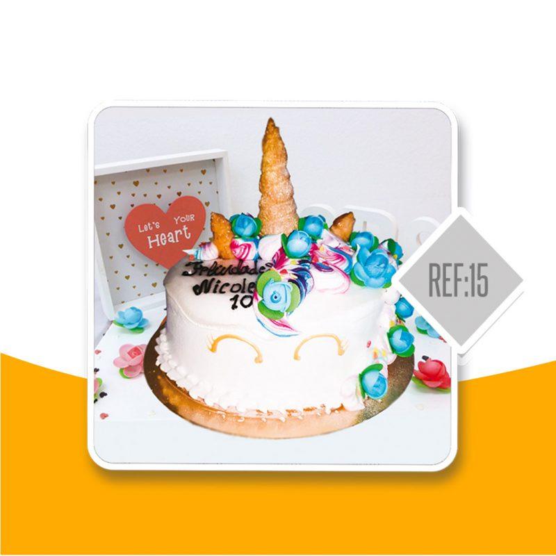 torta negra Colombiana unicornio infantil